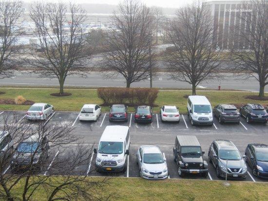 Мелвилл, Нью-Йорк: Estacionamento gratuito