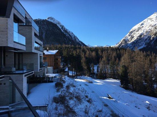 Hotel Saratz: view from punt ota 6