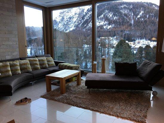 Hotel Saratz: sitting room punt ota 6