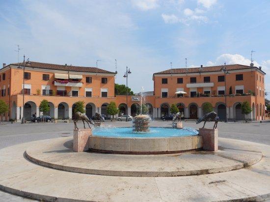 piazza D, Tresigallo