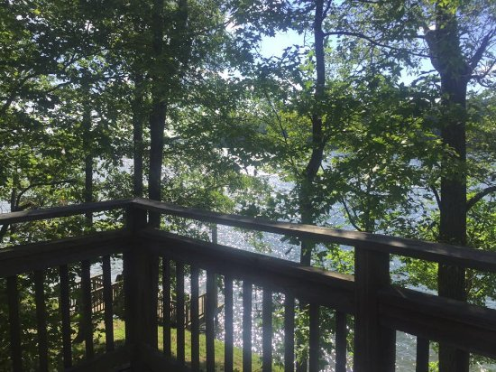Joe Wheeler State Park: Lakeside Cottage Balcony View
