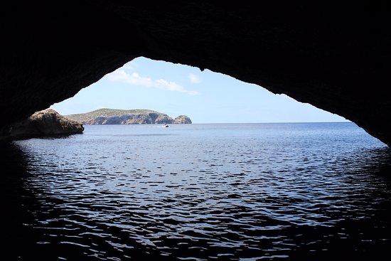 Cueva Azul (Cova Blava): En el interior de la cueva