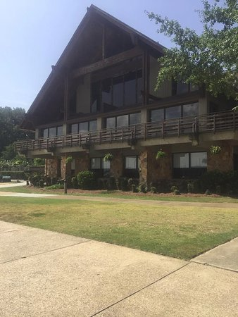 Rogersville, AL: Joe Wheeler State Park Lodge and Restaurant