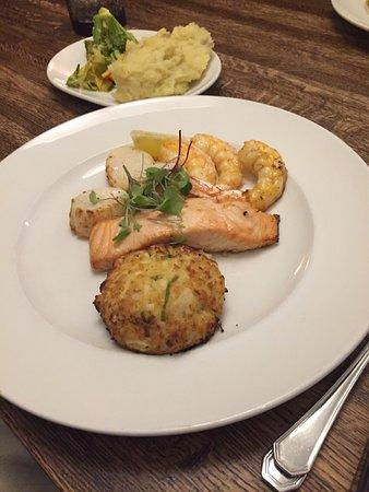 Hemingway's Prime Steaks & Seafood Restaurant: photo0.jpg