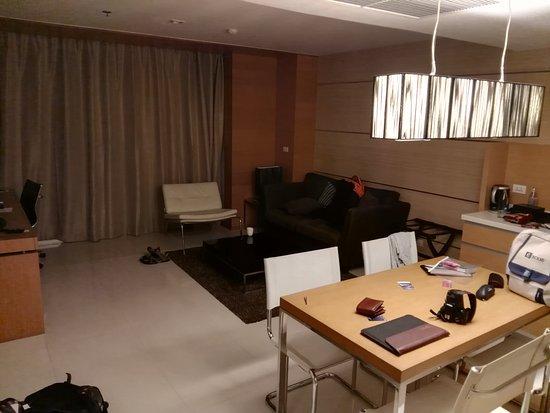 Anantara Sathorn Bangkok Hotel: IMG_20170811_211230_large.jpg