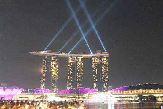 Marina Bay Sands: Lighting in MBS