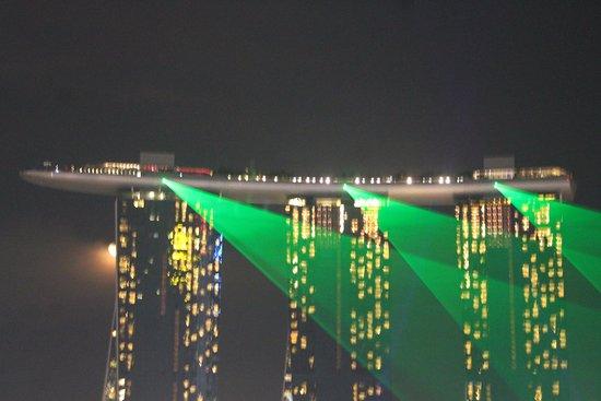 Marina Bay Sands: Laser light show
