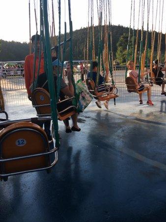 Nanjing, China: 旋轉飛椅