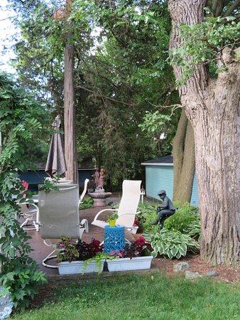 Anoka, MN: garden area