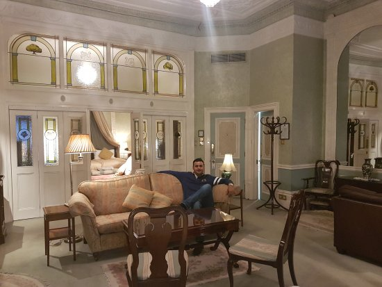London Elizabeth Hotel: 20170817_201630_large.jpg