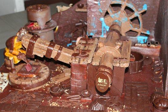 Foix, France: Représentation de la forge en chocolat - Mazas
