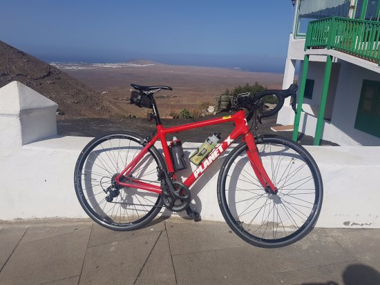 Revolution Bikes : Planet X Carbon Ultegra from Revolution Cycles