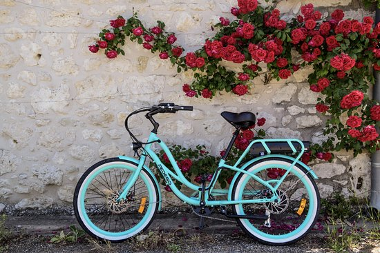 Eymet, Frankrig: Our brightly coloured bikes are sure to catch the eye!