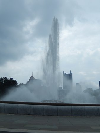 Point State Park: Beautiful fountain