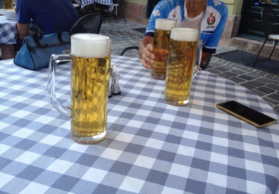 Tavolo e birre