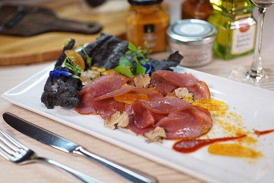 DaVinci Restaurant & Bistro: Tuna smoked from Sardinia with Bottarga
