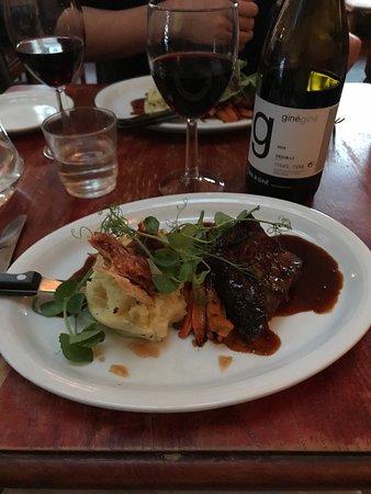 Apiary Restaurant: photo1.jpg