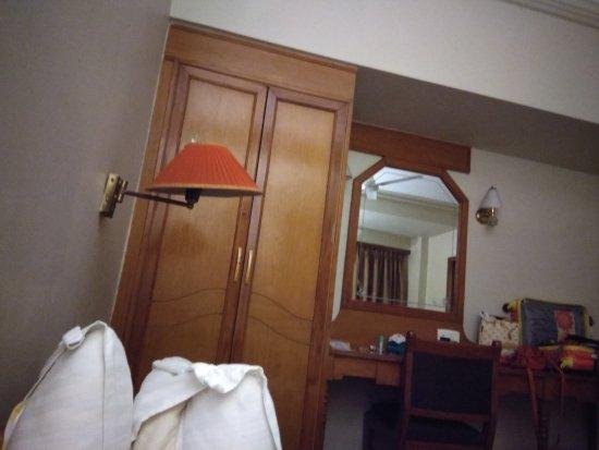 Pinnacle Hotel: IMG_20170820_211048_HHT_large.jpg