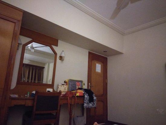 Pinnacle Hotel: IMG_20170820_211029_HHT_large.jpg