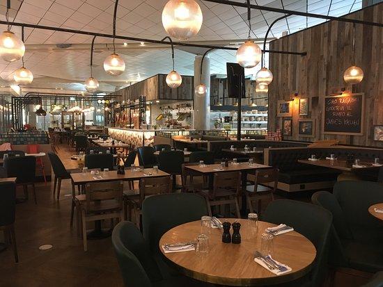 Gardermoen, Norway: Jamie´s Italian - Oslo International terminal