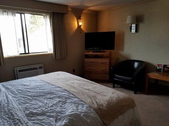 The Coachman Inn & Suites Photo