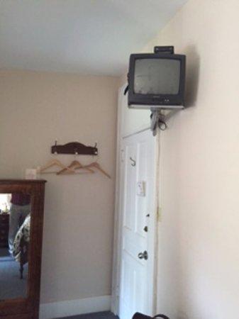 "Stratford, Canada: ""modern"" TV"