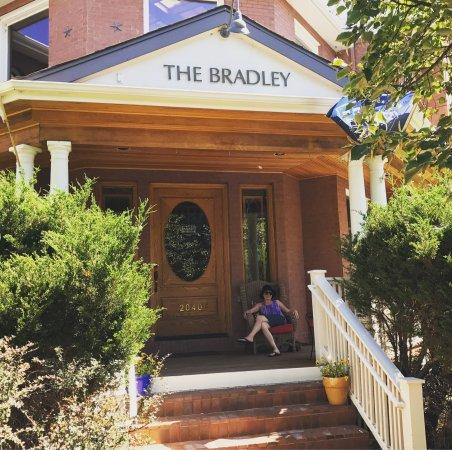 The Bradley Boulder Inn: photo0.jpg