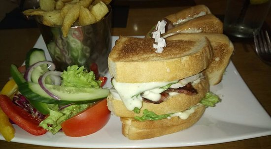 The Shore at Carronshore: Club sandwich main course
