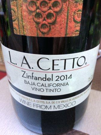 Montlucon, Francia: Le vin mexicain qui a accompagné notre repas