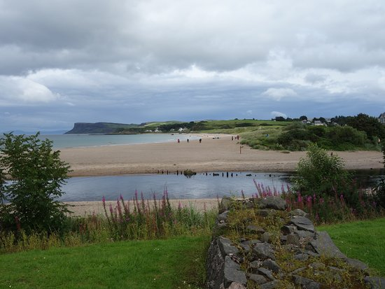 Ballycastle, UK: Great beach for kids