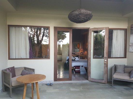 Mathis Retreat: chambre vue de l'extérieur