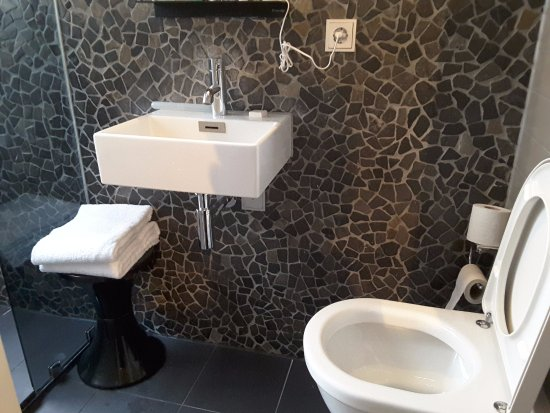 Hotel V Frederiksplein: dimensione bagno