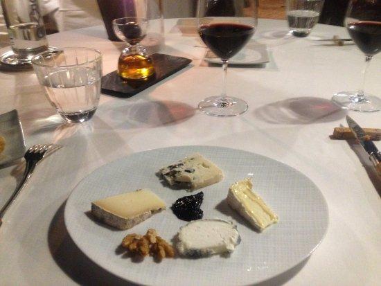Trémolat, Francia: Cheese Course