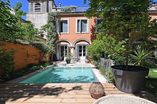 Petit d jeuner sur la terrasse picture of la merci for Chambre d hote montpellier