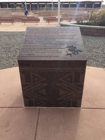 Teec Nos Pos, AZ: Inscription of each state