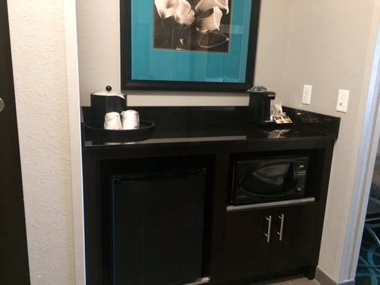 Kearney, NE: Small fridge and microwave under the counter
