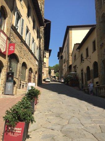 Corso italia arezzo aktuelle 2018 lohnt es sich for Corso arredatore d interni roma