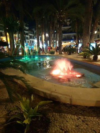 Parque de Elche : kolorowa fontanna