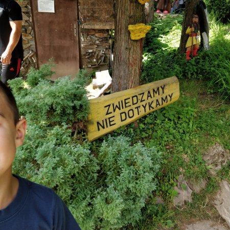 Międzygórze, Polska: Napis mowi sam za siebie