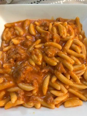 Nurachi, Italie : Pasta típica de cerdeña