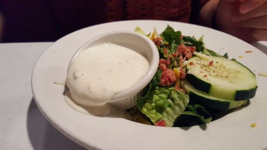 Naperville, IL: Fresh salad with good dressing