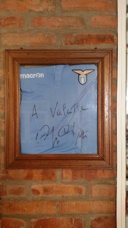 Valentino Vrji Da Autografo Di De A regalata Cragnotti Maglietta Con SZIRqYIz