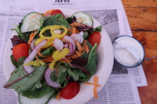 Gritty McDuff's - Lower Main Street: Surprisingly good salad