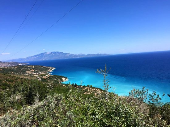 A view down to the waters at Makris Gialos