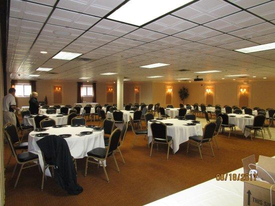 Berlin, OH: banquet room