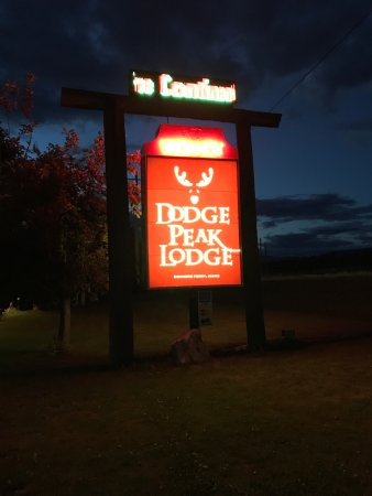 Dodge Peak Lodge : Exterior sign