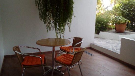 Apartamentos Adjovimar: Terraza