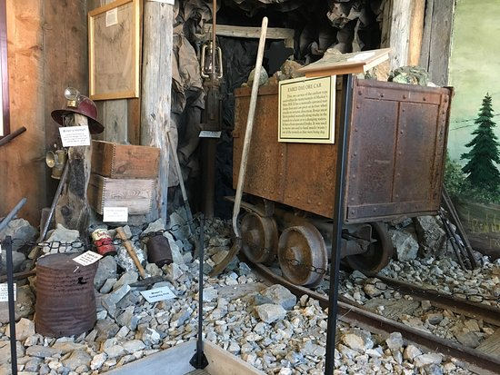 Mackay, ID: Lost Rivers Museum