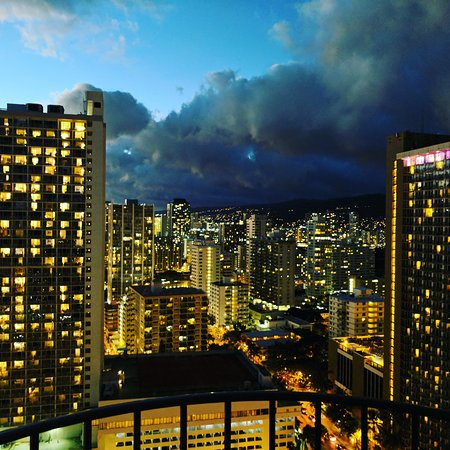 Waikiki Beach Marriott Resort & Spa: IMG_20170818_195011_494_large.jpg