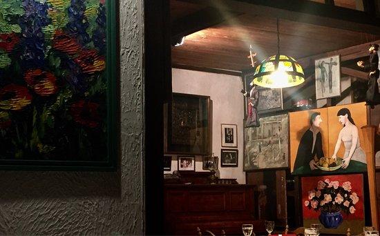 U Pirosmani: Интерьер